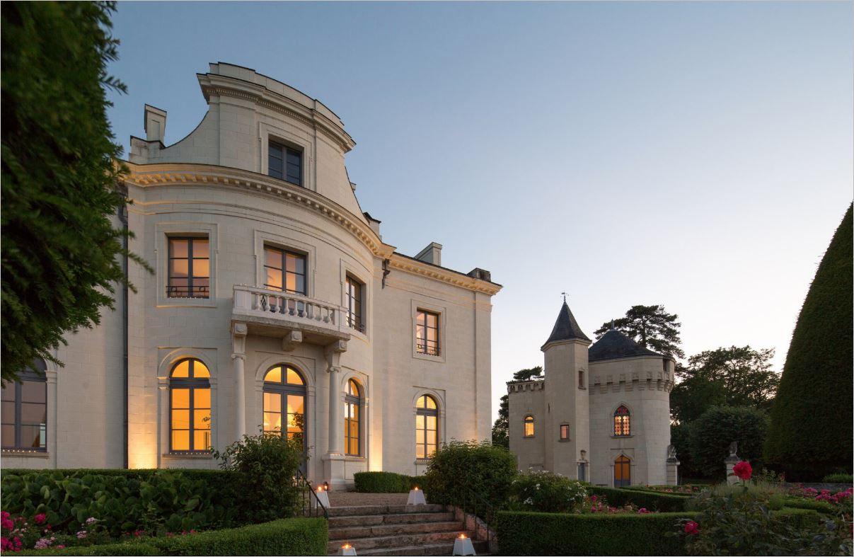 Замок Кандэ**** – гостиничное хозяйство