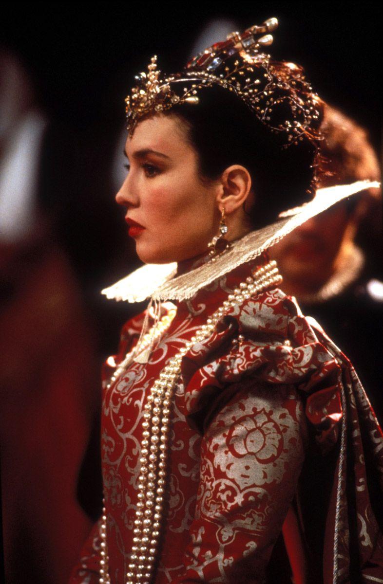 Мода на веерные воротники при французском дворе